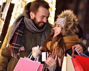 Holiday Shopping Survey Reveals The Truth About Couples And Budgets
